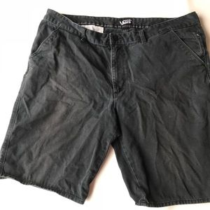 Vans men's black skater baggy shorts size 38